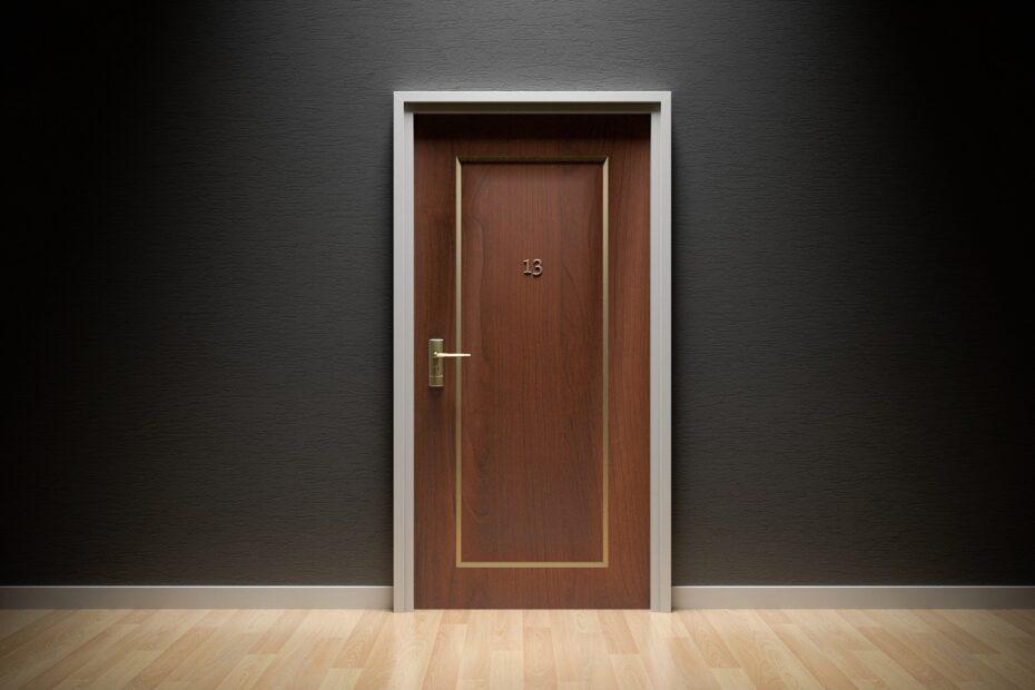 Et skridt tættere på den grønne omstilling: skift dørene ud i din virksomhed